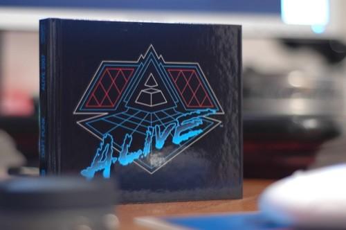 Boîte du CD Alive 2007 des Daft Punk
