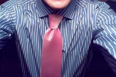 ma zoulie chemise et la cravatte qui va bien
