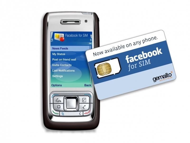 Carte FaceBook SIM devant un téléphone portable
