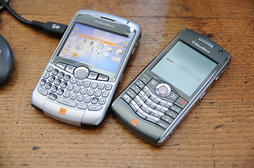 Blackberry Curve 8320 et son petit frère le Pearl
